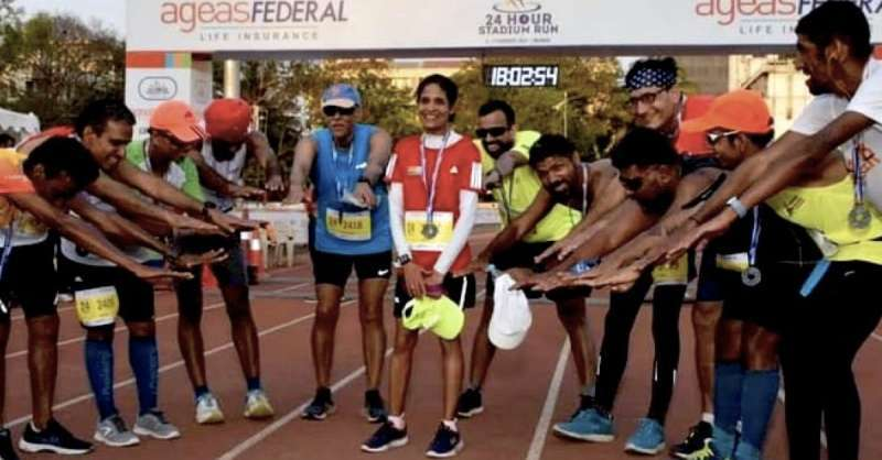 mumbai-woman-sets-record-by-beating-all-23-men-in-a-24hour-stadium-run_g2d
